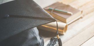 diferença entre college e university